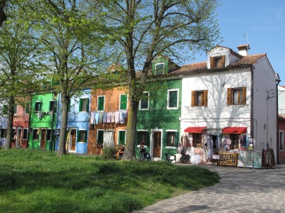 Burano shops and houses