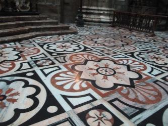 Duomo di Milano - marble floor