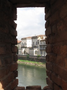 View from Ponte Scaligero (Ponte di Castlevecchio)
